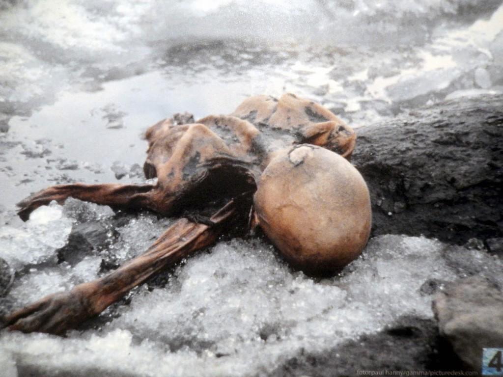 otzi la mummia dell'uomo di ghiaccio