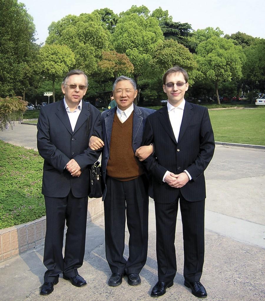 L'inventore del farmaco anticancro da funghi medicinali Q. Y. Yang con Jakopovich