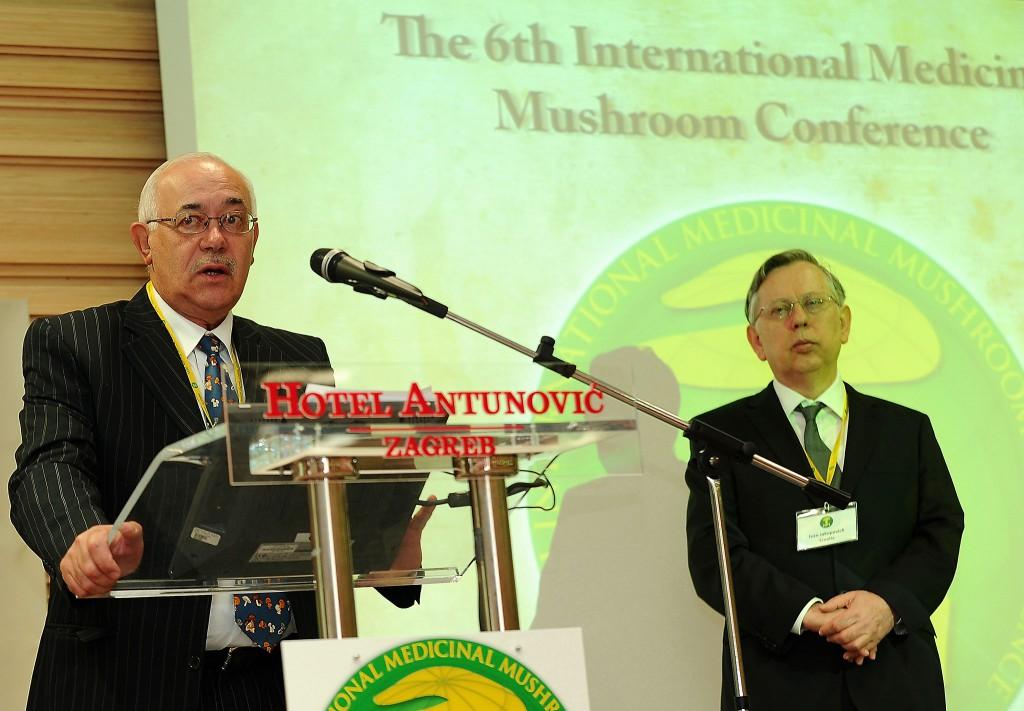 Solomon Wasser und Ivan Jakopović eröffnen die 6. Internationale Heilpilzkonferenz (Zagreb, 2011)